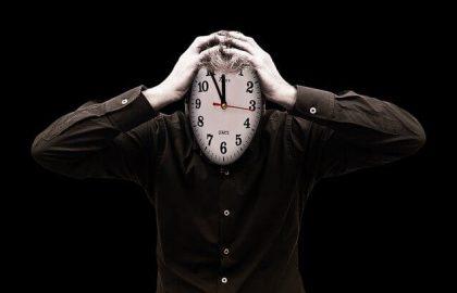 כמה זמן לוקח לאשר אפליקציה בחנויות?